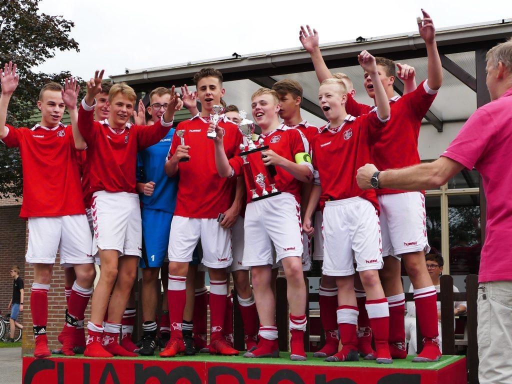 Herman Brood voetbaltoernooi prijsuitreiking 2018